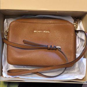Michael Kors Leather Camel brown crossbody bag